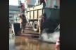 У Рівному гарячий асфальт кладуть у калюжі (Відео)