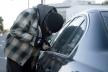 На Рівненщині під варту взяли іноземця, який викрадав майно з автомобілів