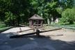 Безкоштовний дитячий майданчик у рівненському парку потребує реконструкції (Фото)