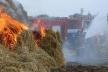 На Демидівщині згоріли тонни соломи та сіна