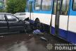 У Рівному не розминулися тролейбус із автівкою, є постраждалі (фото, відео)