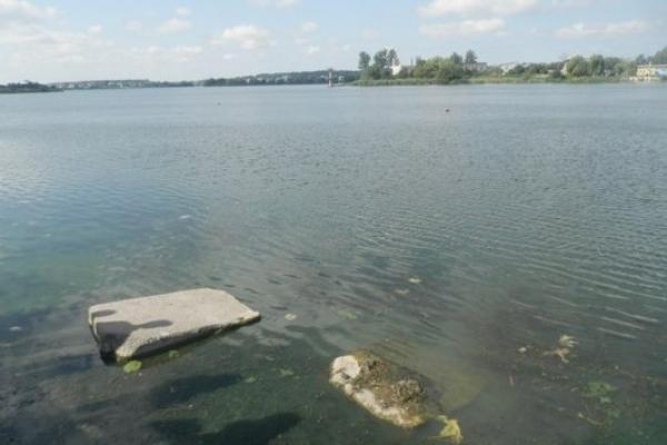 У Рівному відбувся круглий стіл з приводу критичної екологічної ситуації з Басівкутським озером