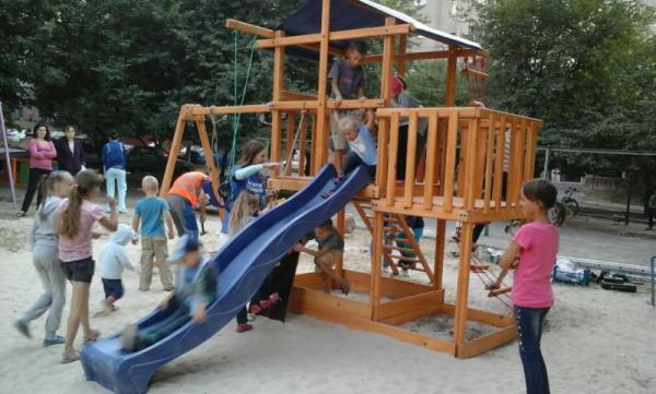 Завтра, 14 червня, у Рівному відкриють ще один дитячий майданчик