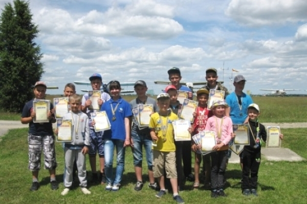 На Рівненщині відбулися обласні змагання з ракетомодельного спорту