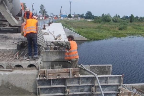 На кордоні із республікою Білорусь ремонтують міст (Фото)