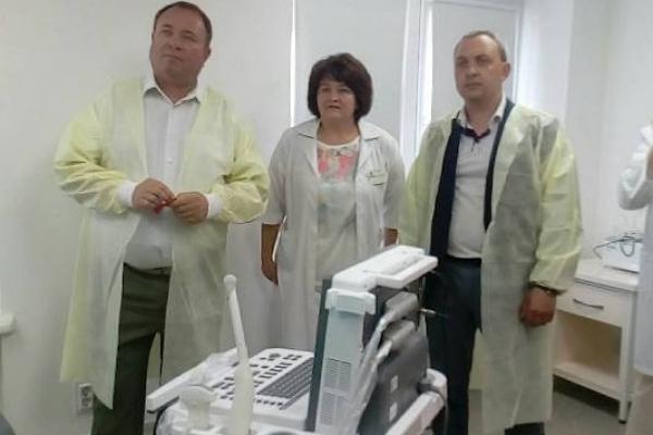 Голова Рівненської ОДА відвідав нову ембріологічну лабораторію