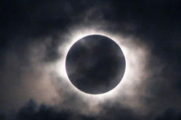 7 серпня на землян очікує місячне затемнення