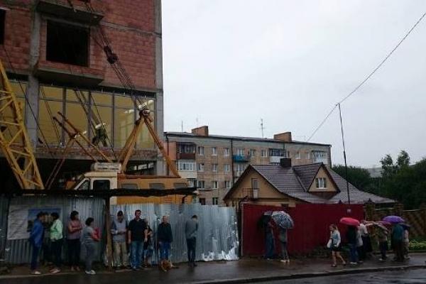 Рівняни пікетували будівництво висотки на вулиці М. Карнаухова (Фото)