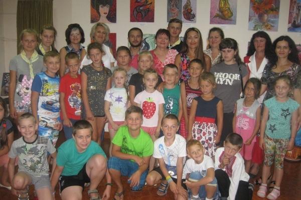 Вихованці табору «Романтик» зустрілися з рівненськими літераторами (Фото)
