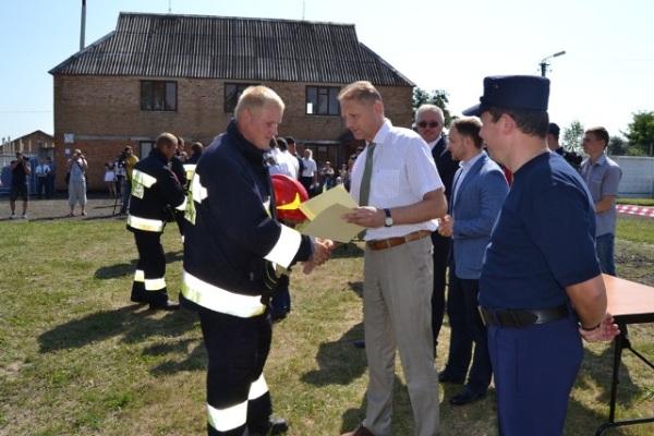 Волонтери – рятувальники й вогнеборці – показали клас