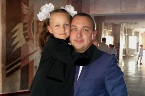 Голова РОДА Муляренко привів у перший клас свою дочку
