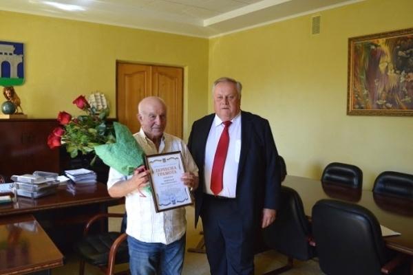 Міський голова Рівного особисто привітав з 50 річчям на тренерській роботі Павла Леонтьєва