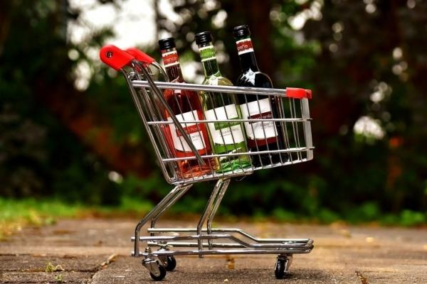 Рівняни закуповують спиртне - готуються до зростання цін на алкоголь