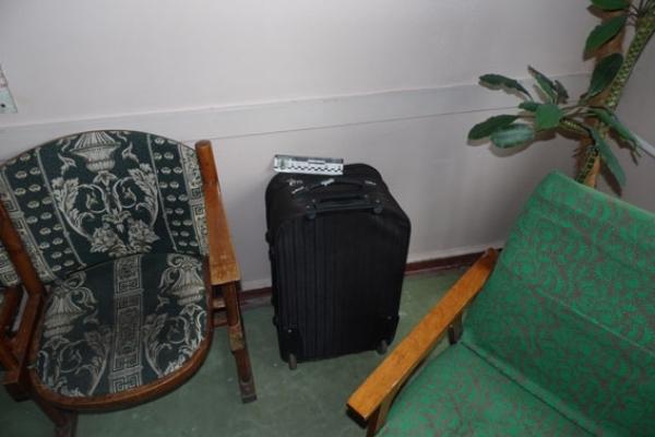 Не забувайте свої речі: у Рівному на виклик про підозрілу сумку прибули всі спецслужби