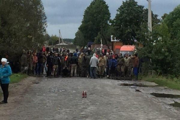 Рівненщина: конфлікт між поліцією та бурштинокопачами вирішували стріляниною