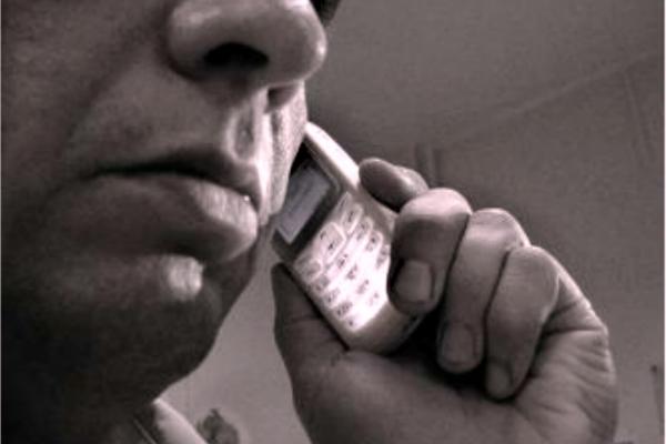 Телефонний аферист зняв з картки мешканця Рівненщини 20 тисяч гривень