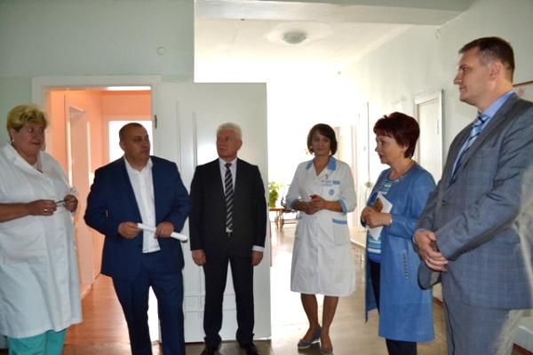Рівненська обласна дитяча лікарня отримала новий гематологічний аналізатор та енцефалограф