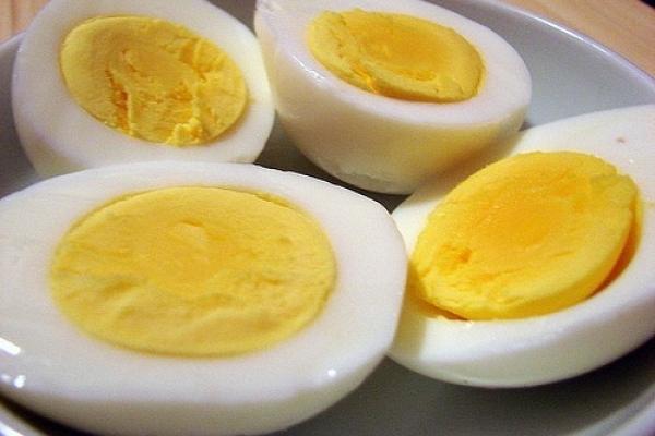 Зарічненські першокласники потруїлися яйцями з Тернопільщини