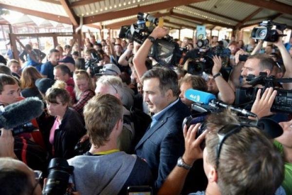Саакашвілі повернувся: перейшов український кордон пішки (Фото, відео)