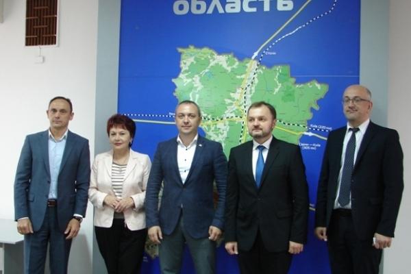 Очільник Рівненщини зустрівся з молдовськими дипломатами