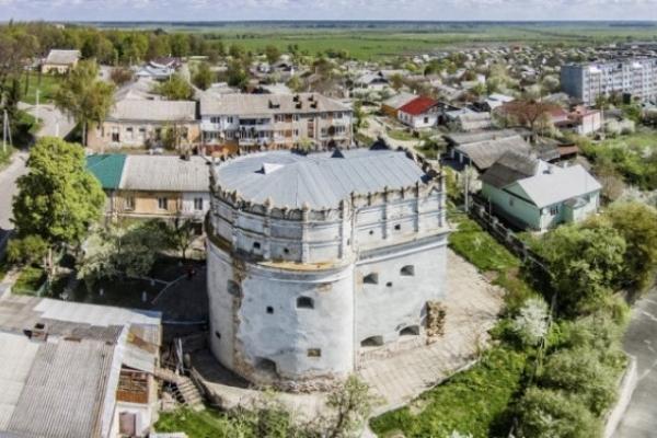 На реставрацію Луцької Вежі в Острозі виділили кошти