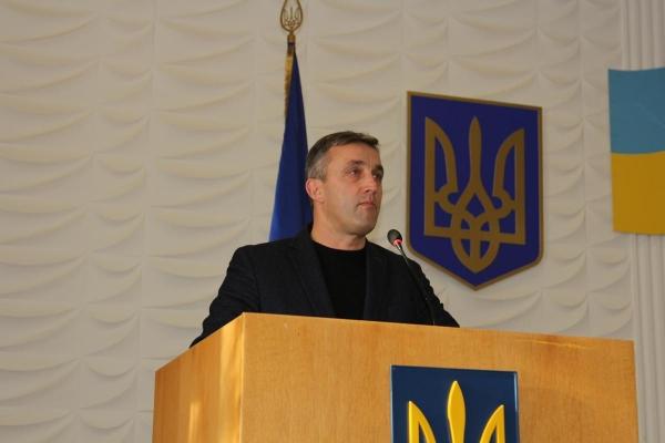 На Рівненщині депутата повертали до зали засідань силоміць