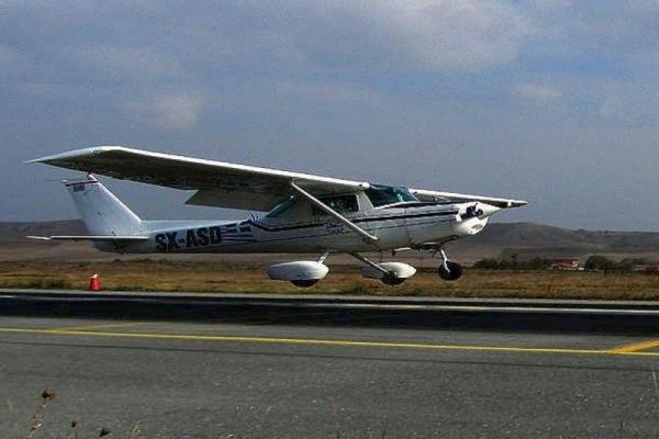 Сімейна пара з Рівненщини розбилася на літаку в Греції