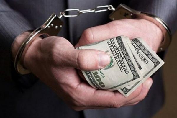 Поліцейський з Варашу отримав штраф за хабаря