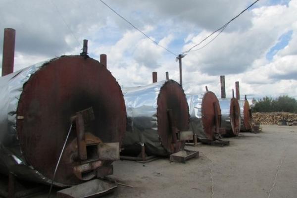 На Кореччині люди проти будівництва заводу з виготовлення деревного вугілля: дим буде заважати нормально жити