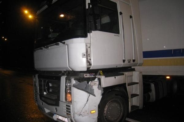 На Дубенщині «фура» збила пішохода (Фото)