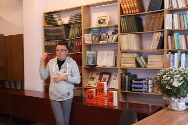 Cуб'єктивний журналіст Остап Дроздов презентував свою книжку в Острозі