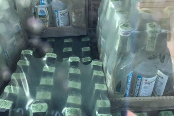 Алкоголю на 2 млн. грн знайшли на одному зі складів на Дубенщині (Фото, відео)