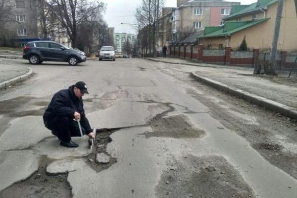 На Рівненщині – осінній комісійний огляд автомобільних доріг, вулиць і залізничних переїздів