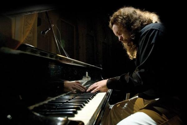 Диякон та піаніст-імпровізатор Роман Коляда презентує у Рівному новий альбом (Анонс, відео)