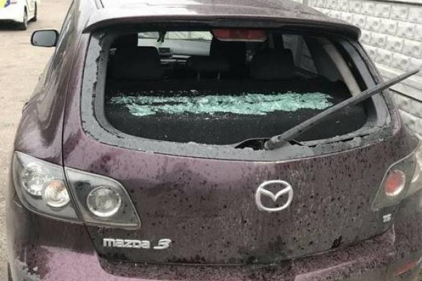 Зловмисника, що пошкодив авто, вмить розшукали завдяки камері спостереження