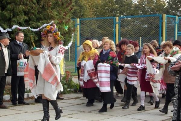 Свято Покрови мешканці вулиць Петра Могили і Коперніка  вже третій рік поспіль відзначають разом
