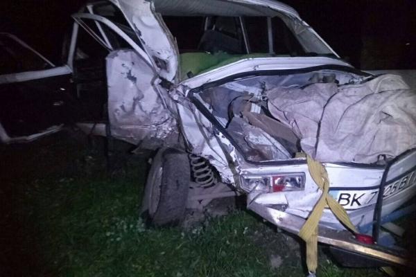 У Рівному жахлива ДТП за участі «Тойоти»: батько загинув, дитина в лікарні (Фото)