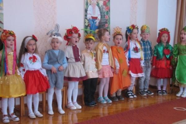 У садочках Рівненщини проходить веселе свято Осені