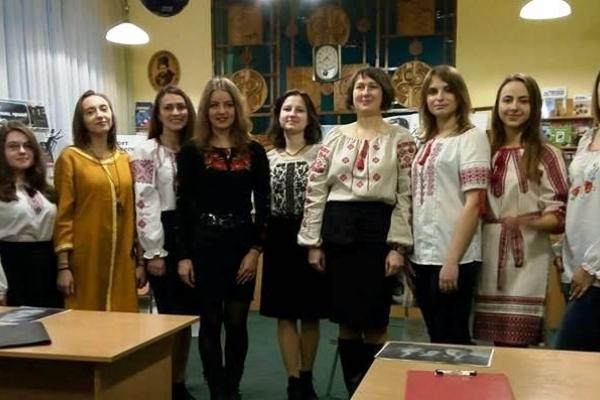 У Рівному студенти та викладачі РДГУ вшанували пам'ять Валер'яна Поліщука (Фото)