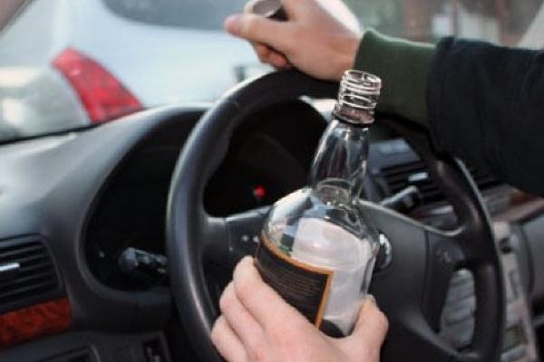 Рівненські депутати за те, щоб садити водіїв, які спричинили ДТП в нетверезому стані за грати