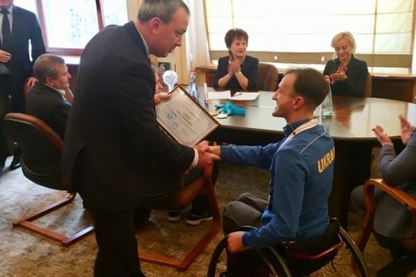 Голова Рівненської ОДА нагородив спортсменів-переможців (Фото)