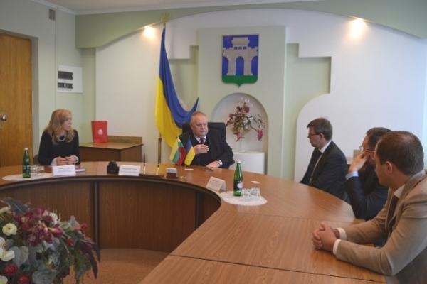 Рівненський міський голова зустрівся з Надзвичайним і Повноважним Послом Литовської Республіки в Україні