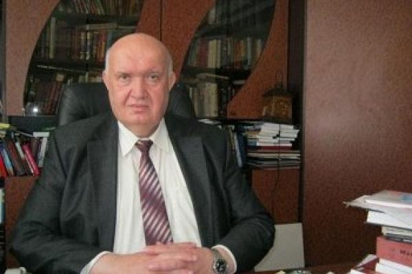 Ректор Постоловський подаватиме до суду на журналістів, які виявили в РДГУ  «професора домагань»