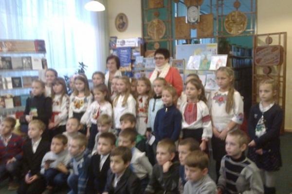 У Рівному було літературне свято: презентували «Строкату хату» Лідії Гольонко