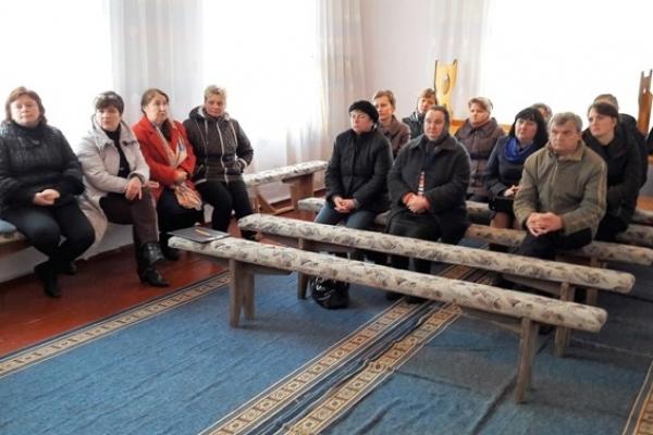 У селі Лозки Володимирецького району люди реформам не довіряють