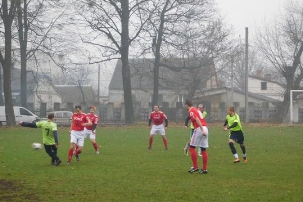 У Здолбунові поліцейські та АТОвці розіграли Кубок з благодійного футболу (Фоторепортаж)