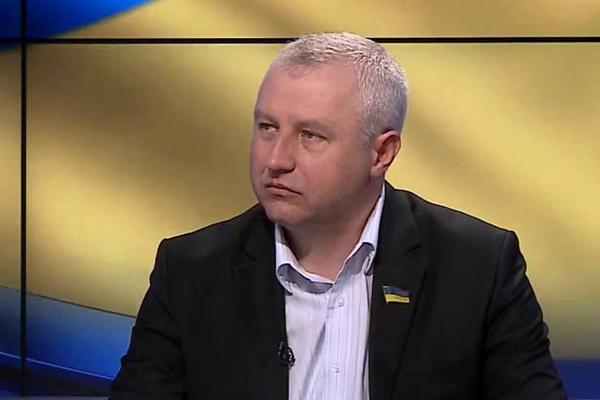 На Дубенщині нардеп Олександр Дехтярчук запевняв про зростання зарплат вже у січні