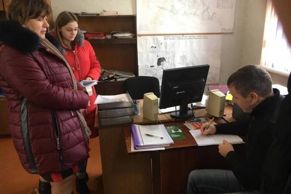 Фахівці Рівненської юстиції консультували громадян у Тараканівській ОТГ (Фото)
