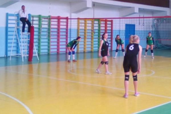 На Рівненщині стартував чемпіонат області з волейболу