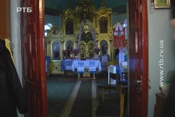 У Рівному пограбували церкву (Відео)